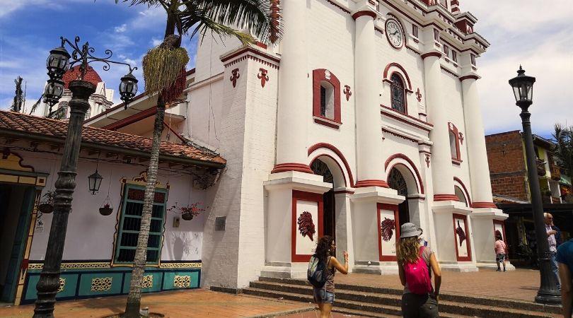 la cattedrale di guatapè cosa vedere vicino a Medellin in Colombia