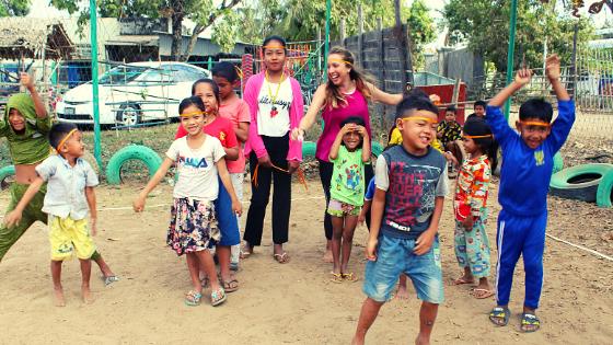 Giulia Zilibotti ragazza di Modena tra viaggio e volontariato il suo racconto dall'Asia Cambogia Laos per aiutare gli altri e conoscere di più se stessa