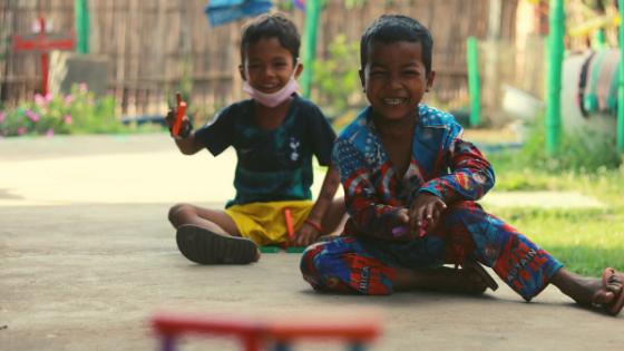 bambini in Cambogia progetto Viva la Vida Family il racconto di Giulia Zilibotti di Modena in Laos per fare volontariato